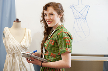 Fashion_CostumeStudent